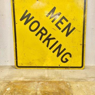 MEN WORKING_アメリカロードサイン【544】