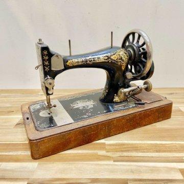 SINGER_sewing machine【422】