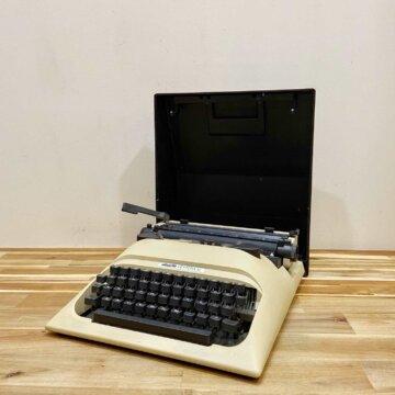 olivetti Typewriter【5411】